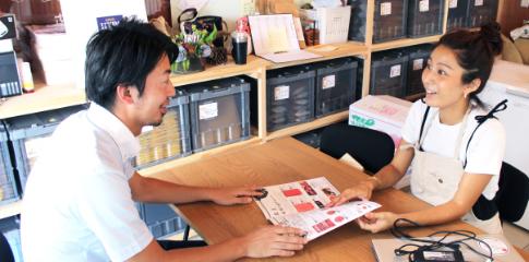 早川代表と清水診断士の相談風景